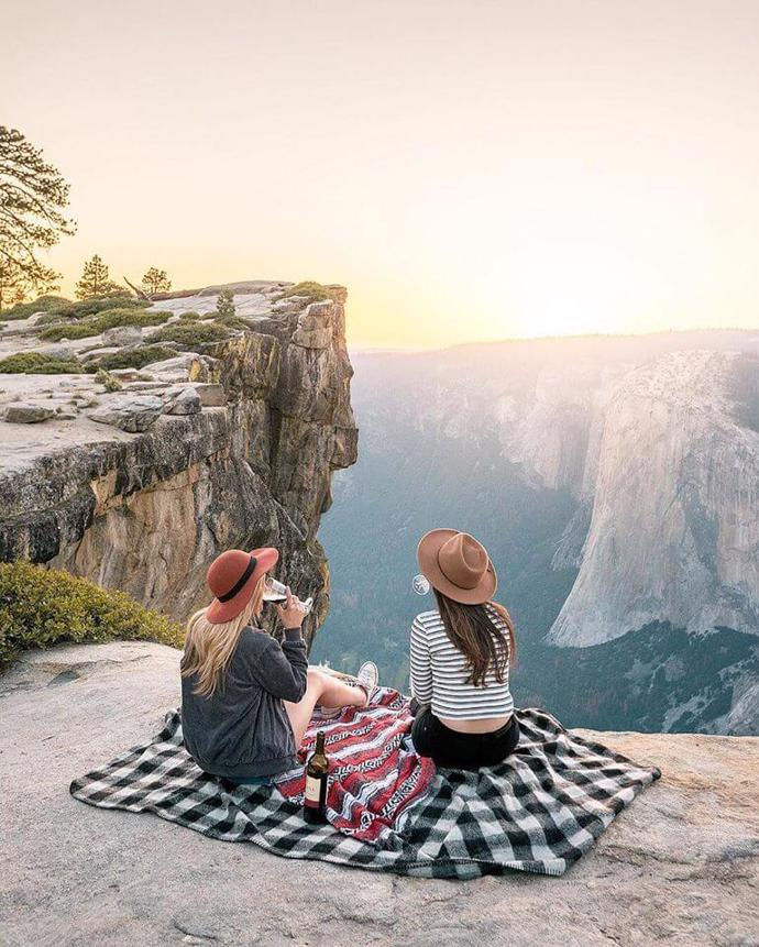 Taft Point, Yosemite National Park, California, US |  Renee Roaming | туризм | tourism | outdoor