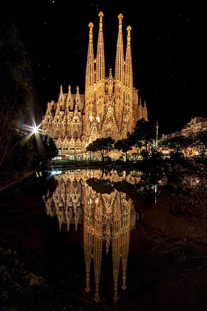 La Sagrada Familia - Barcelona | world | travel | barcelona